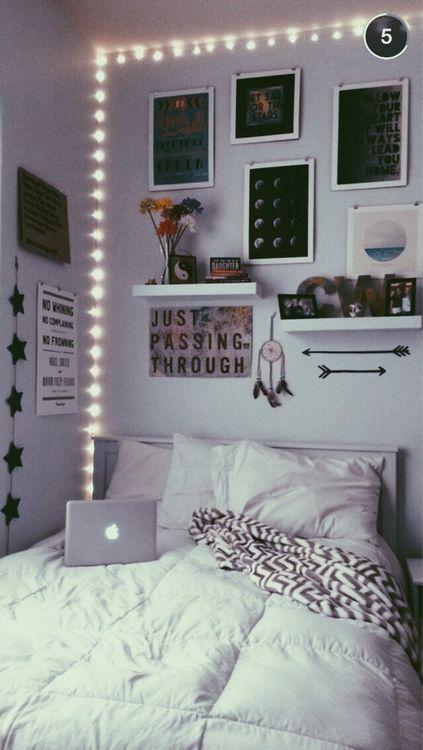 VSCO Bedroom Ideas - String Lights